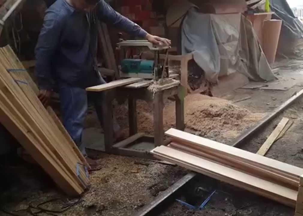 การไสไม้ทำโครงสร้างเตียง
